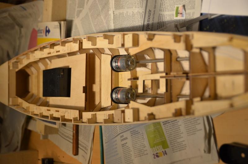 Bismarck au 1/200 de chez hachette - Page 2 Dsc_4124
