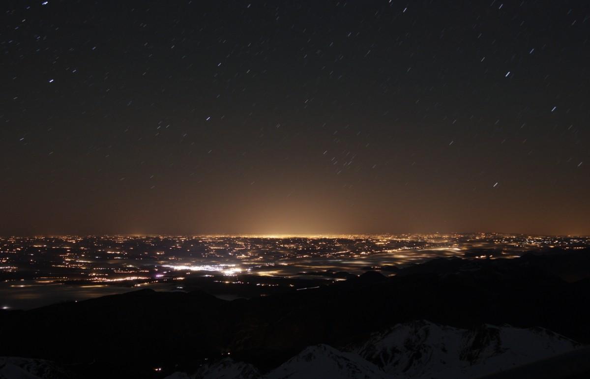 Ciel noir et pollution lumineuse au Pic du Midi Jacque21