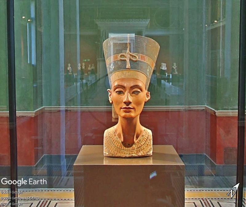 Le buste de Nefertiti au Neues Museum - Berlin Aaa110
