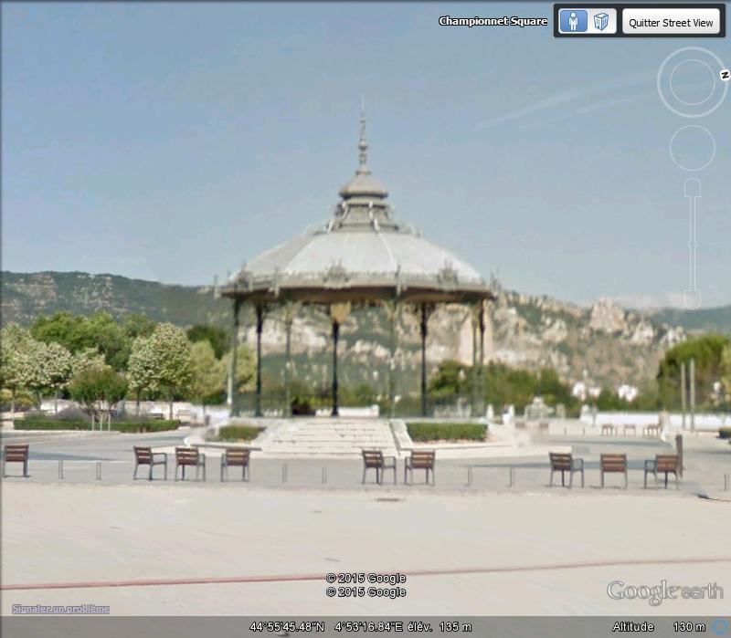 KIosque Peynet - Valence - Drôme - France Ca11