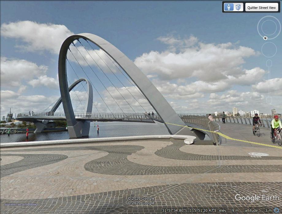 Le Queen Elizabeth Quay Bridge - Perth - Australie. Cap10