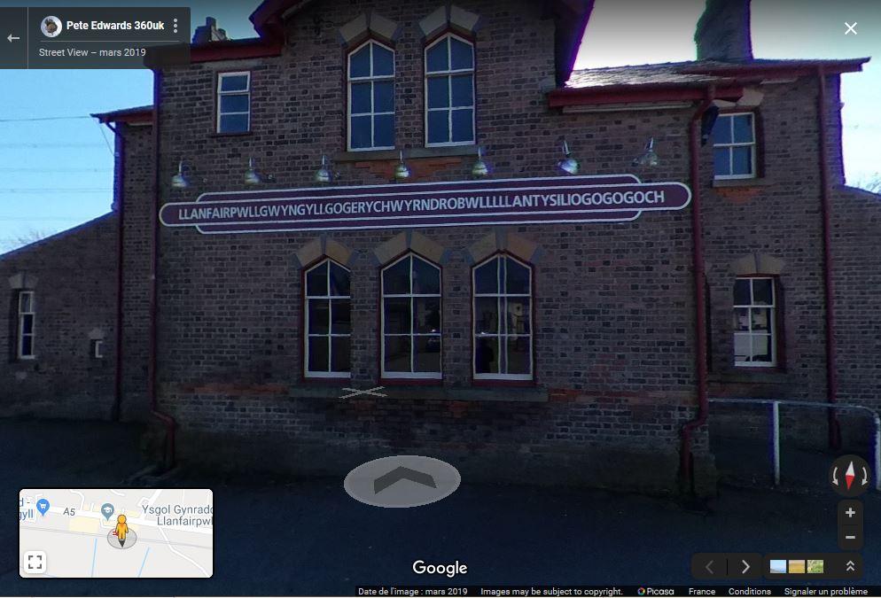 Llanfairpwllgwyngyllgogerychwyrndrobwllllantysiliogogogoch -île d'Anglesey - Angleterre Captur41
