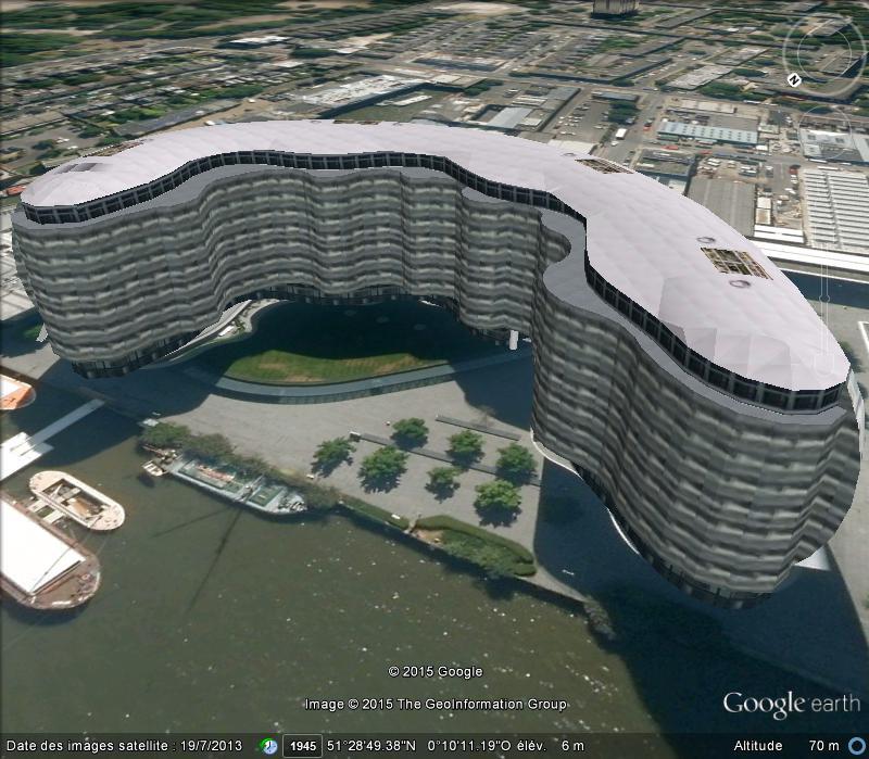 Bâtiments à l'architecture bizarre Fa10