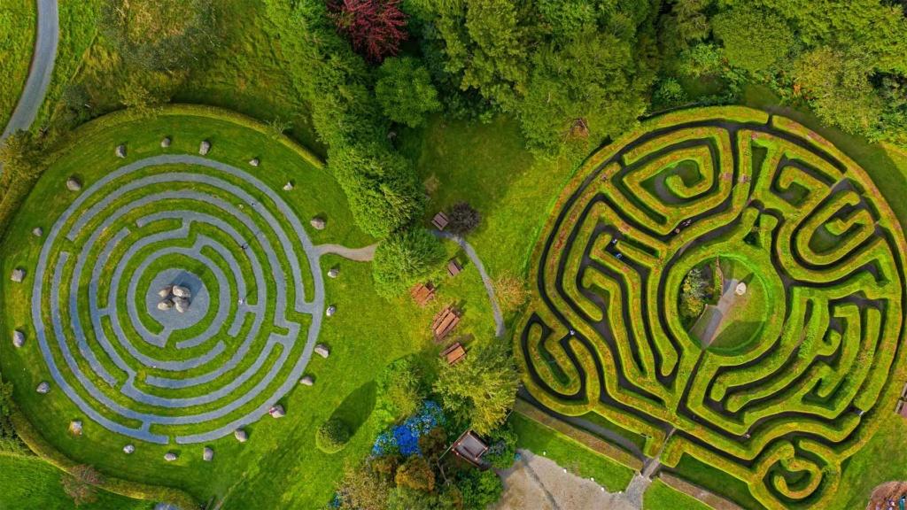 Les labyrinthes découverts dans Google Earth - Page 23 Greena10