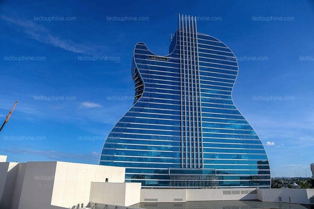 (bientôt visible dans G.E.?) Le Hard Rock Hotel à Miami Le-har10