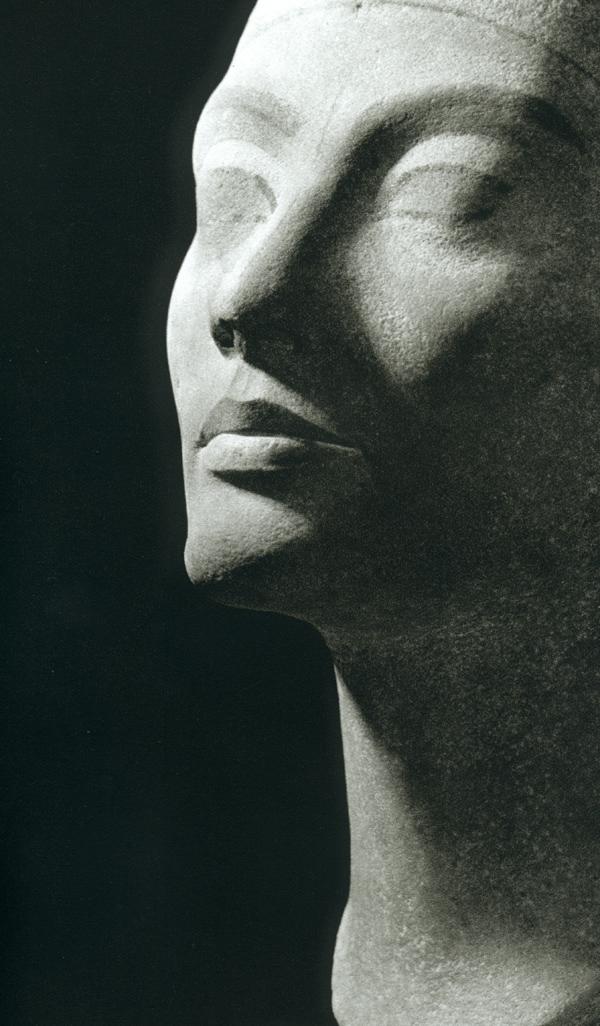 Le buste de Nefertiti au Neues Museum - Berlin Nefert10