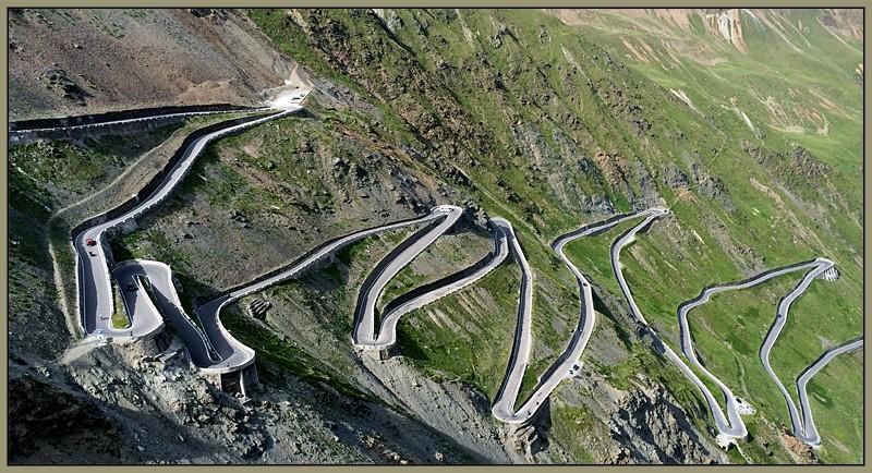 Les lacets de Passo Stelvio - Italie Passod10