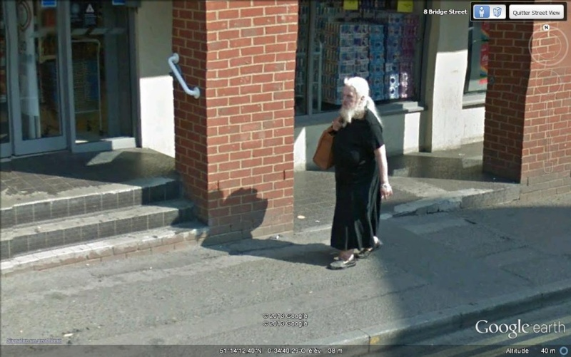 Femme à barbe à Guildford - Royaume Uni Svvvvv11