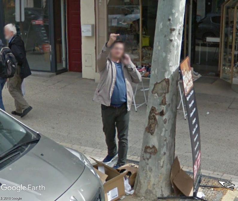 STREET VIEW : quand la Google Car attise l'obscénité - Page 3 Www100