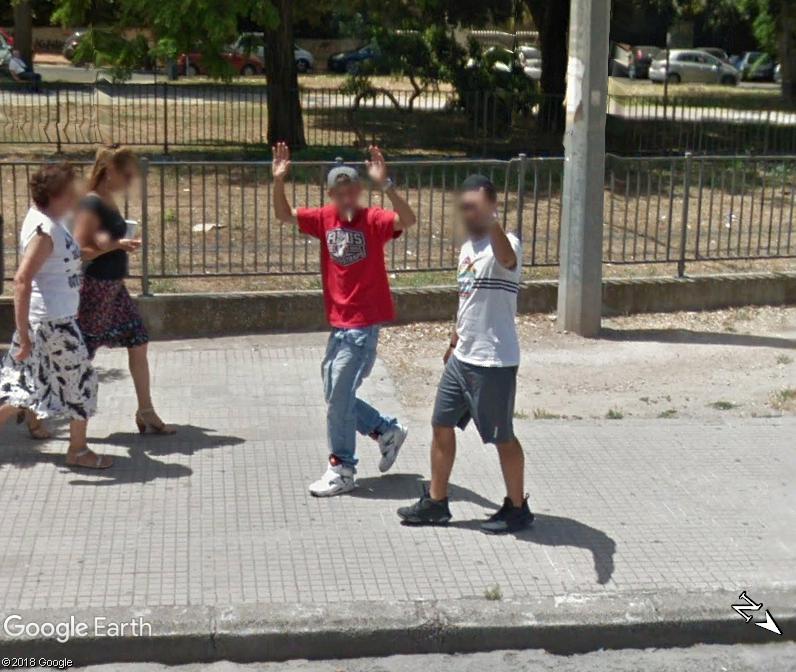 STREET VIEW : un coucou à la Google car  - Page 46 Www58