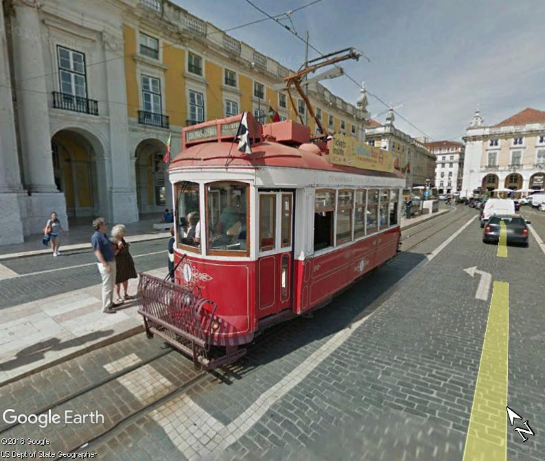 STREET VIEW : les tramways en action - Page 3 Www67