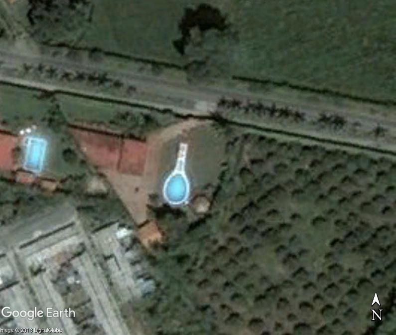 Les piscines du Monde découvertes avec Google Earth - Page 11 Www71