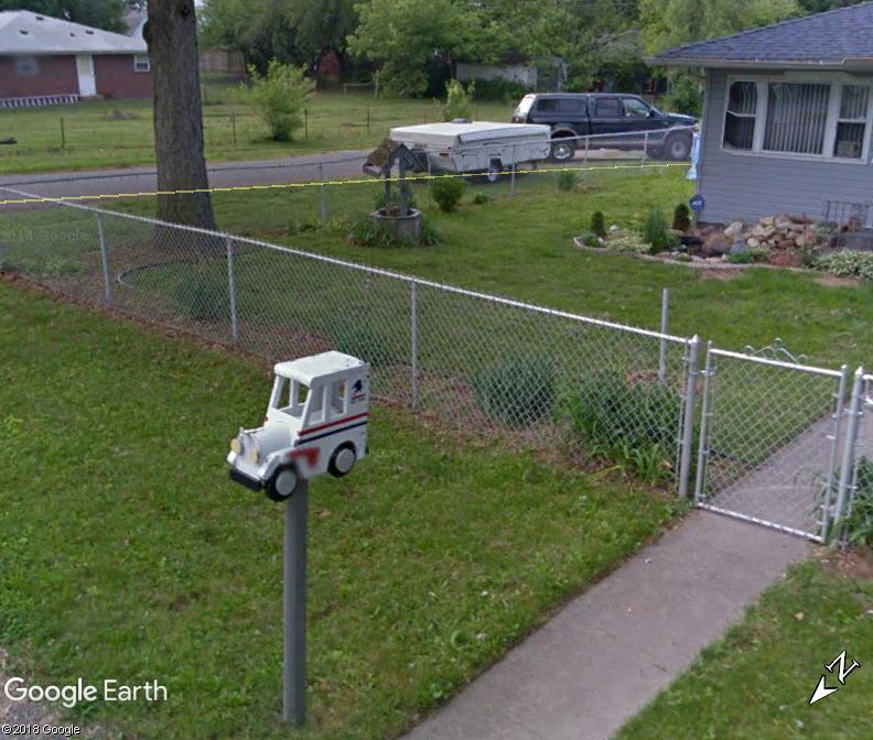 Street View : Les boites aux lettres insolites - Page 5 Www86