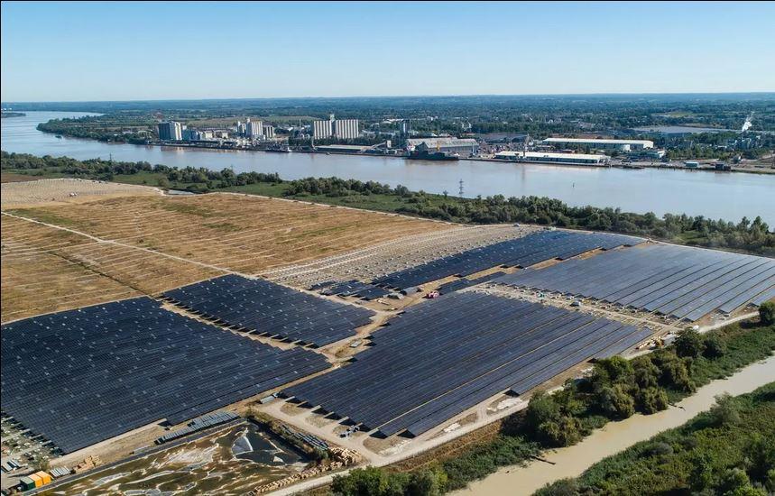 Bientôt visible sur GE : Bordeaux: la plus grande centrale photovoltaÏque urbaine d'Europe Z116