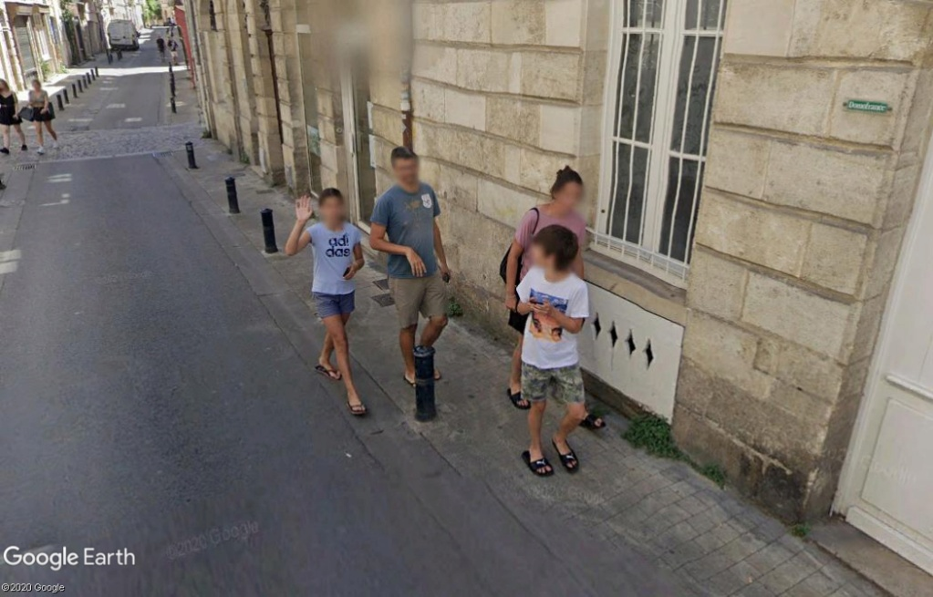 STREET VIEW : un coucou à la Google car  - Page 54 Z124