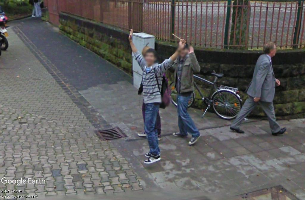 STREET VIEW : un coucou à la Google car  - Page 57 Z1515