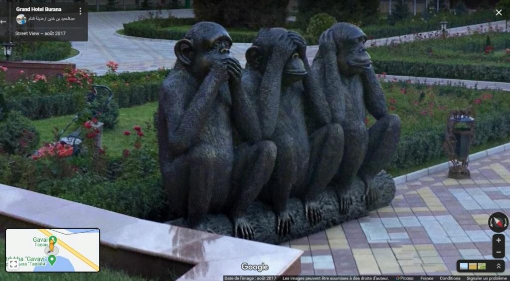 Les singes de la sagesse - Gidrostroitel - Kyrgyzstan Z233