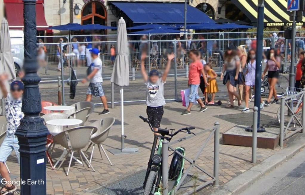 STREET VIEW : un coucou à la Google car  - Page 58 Z2615