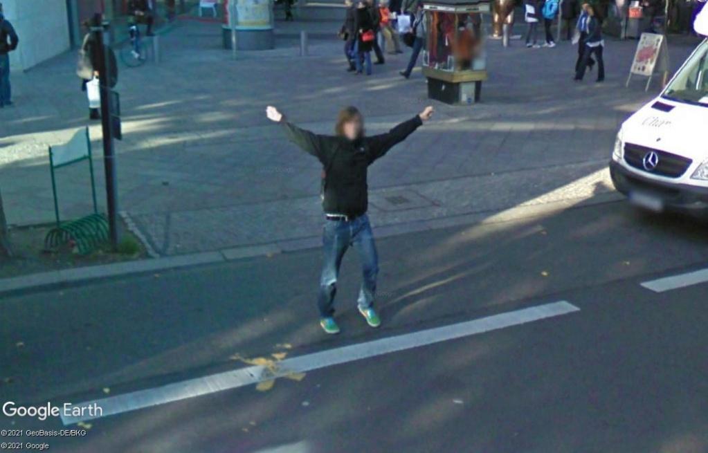 STREET VIEW : un coucou à la Google car  - Page 58 Z3215