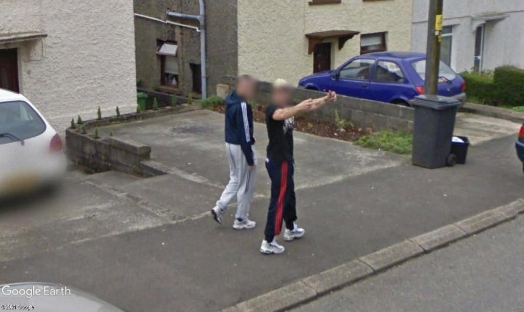 STREET VIEW : un coucou à la Google car  - Page 56 Z429
