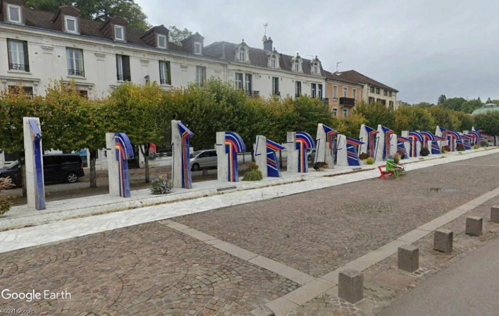 Les fontaines bleues de Contrexéville Z4510