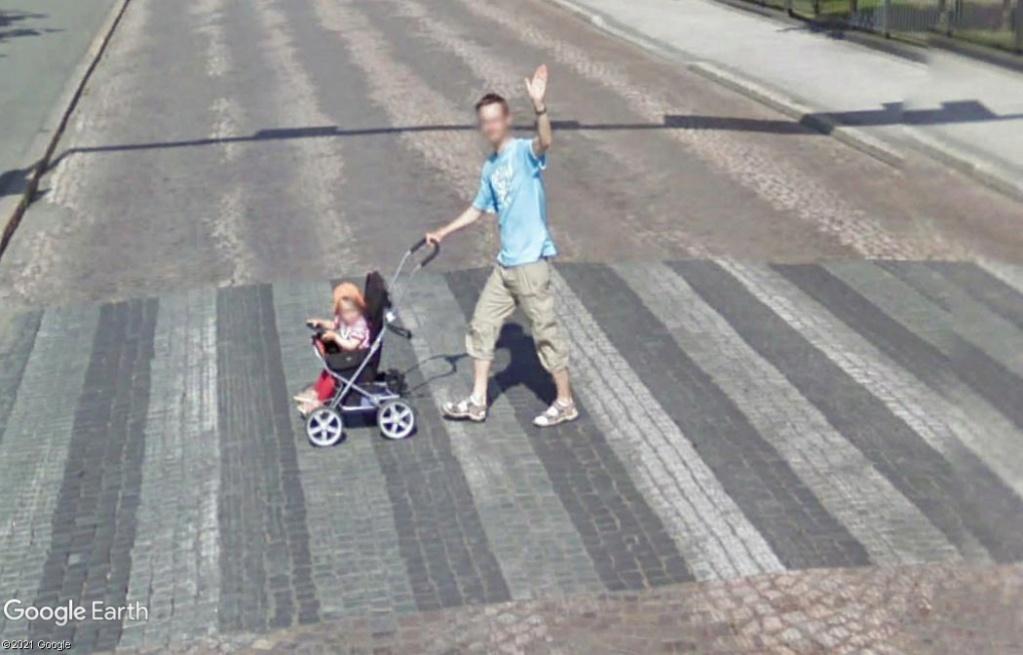STREET VIEW : un coucou à la Google car  - Page 59 Z4711