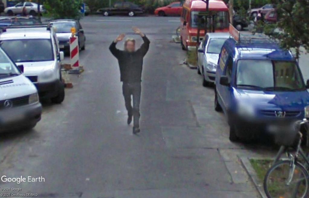 STREET VIEW : un coucou à la Google car  - Page 57 Z528