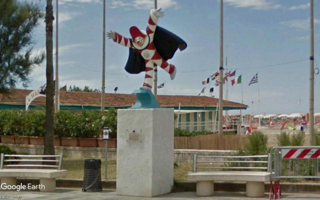Statue à Viareggio - Italie Z535
