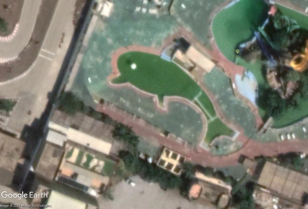 Les piscines du Monde découvertes avec Google Earth - Page 11 Z820