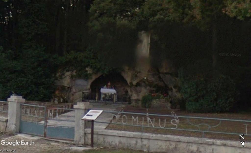 Les répliques de la grotte de Lourdes - Page 3 Zzz1115