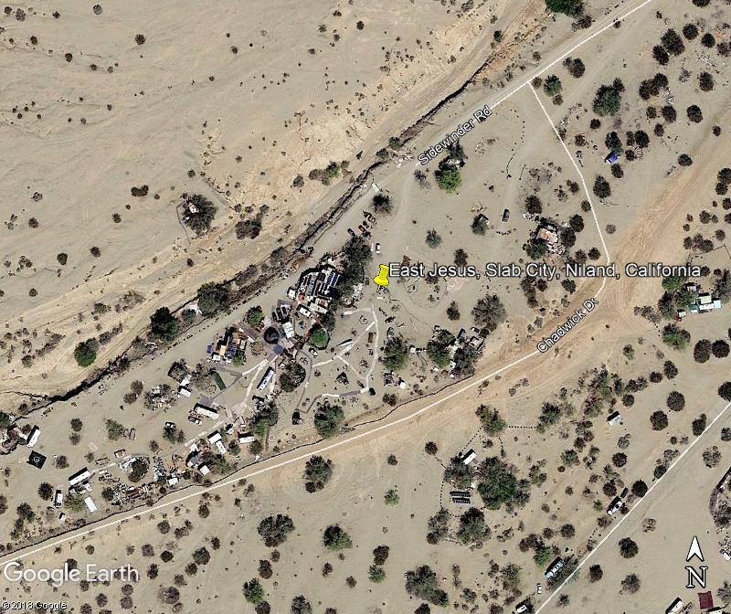 East Jesus -  Slab City, Niland - Californie  Zzz119