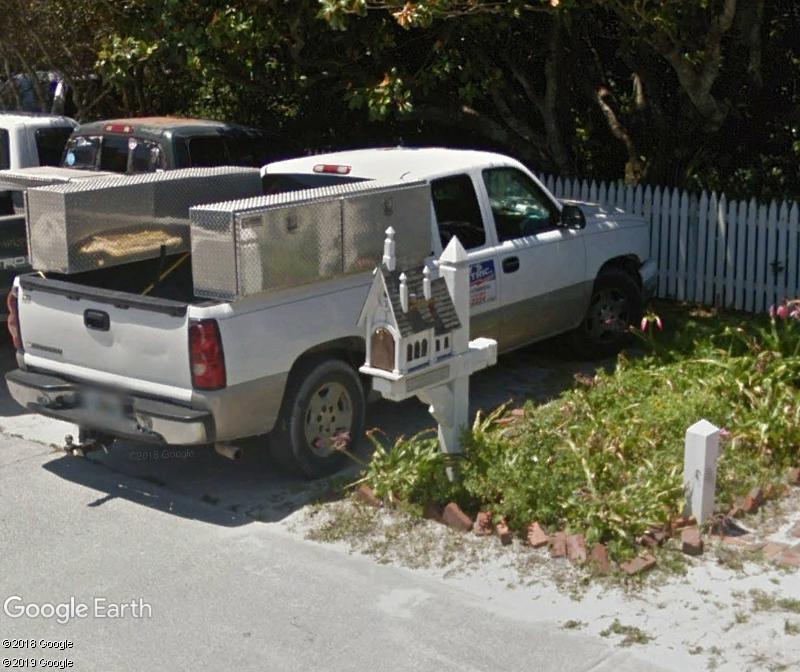 Street View : Les boites aux lettres insolites - Page 5 Zzz126