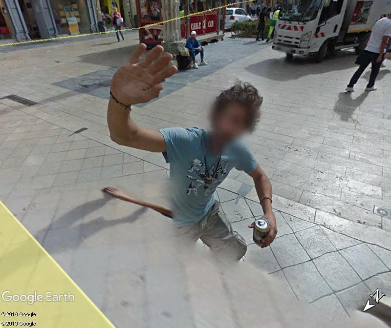 STREET VIEW : un coucou à la Google car  - Page 49 Zzz141