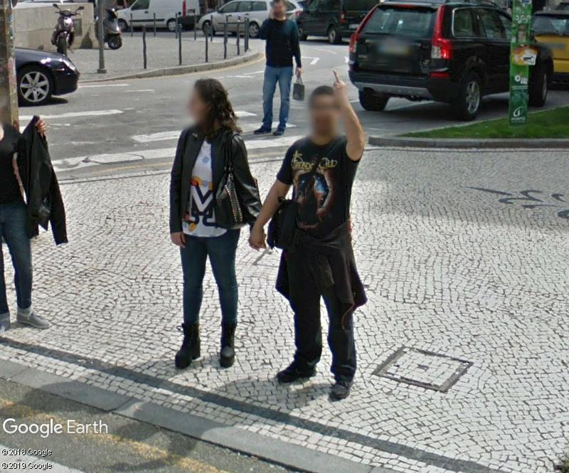 STREET VIEW : quand la Google Car attise l'obscénité - Page 3 Zzz206