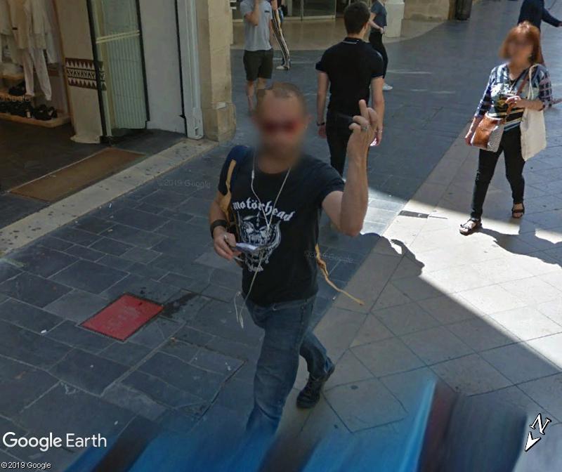 STREET VIEW : quand la Google Car attise l'obscénité - Page 3 Zzz2210