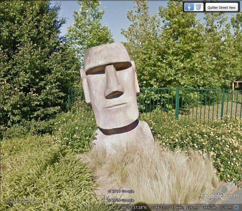 Un moai à Paris! Zzz255