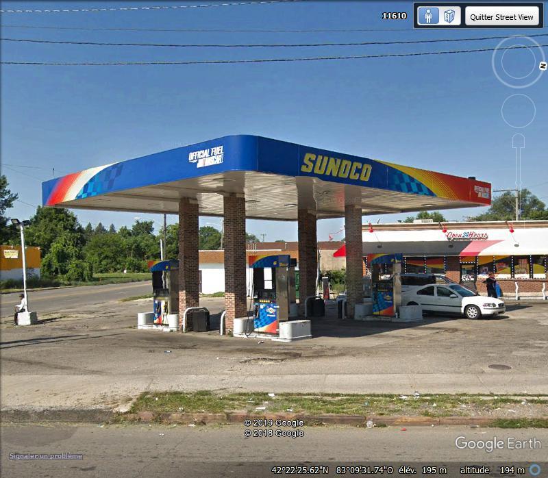 STREET VIEW : Station essence OBAMA Zzz256