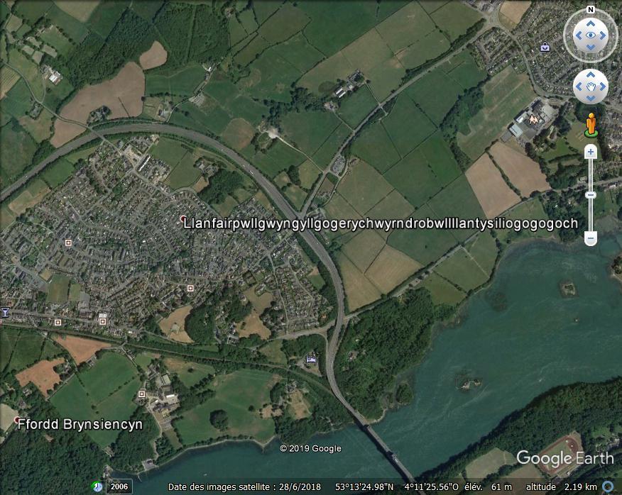 Llanfairpwllgwyngyllgogerychwyrndrobwllllantysiliogogogoch -île d'Anglesey - Angleterre Zzz277