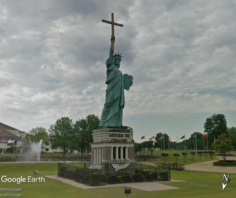 Statue de la Liberté = les répliques découvertes grâce à Google Earth - Page 6 Zzz35