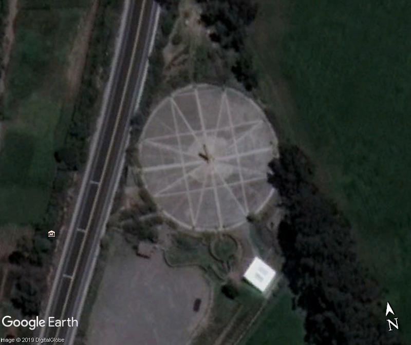 Monument équateur Macapa Brésil Résolu - Page 4 Zzz412