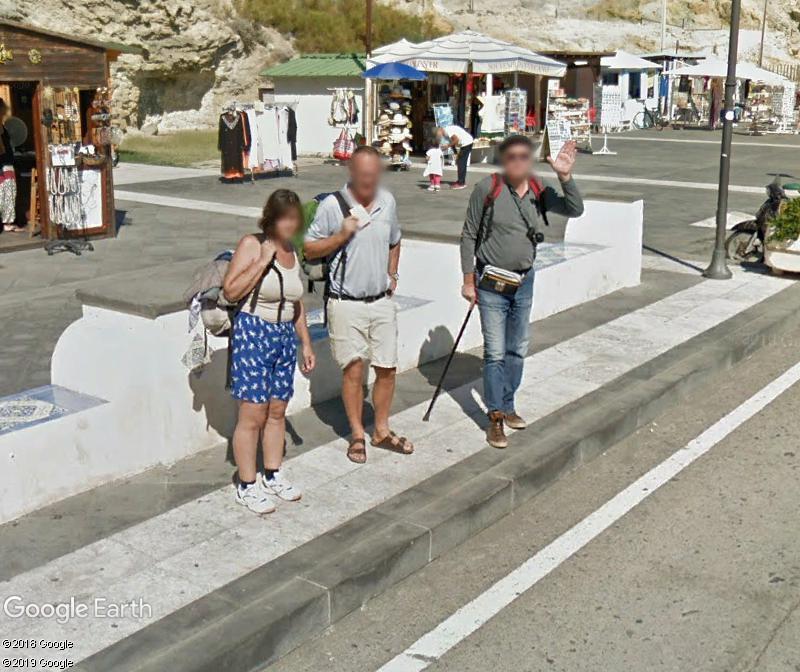 STREET VIEW : un coucou à la Google car  - Page 48 Zzz80