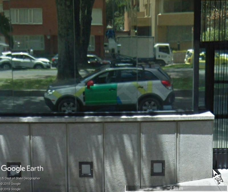 STREET VIEW : reflets de Google-Car Zzz86
