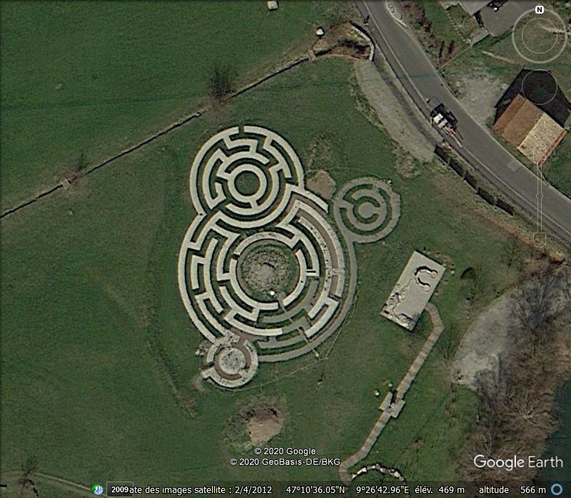Les labyrinthes découverts dans Google Earth - Page 22 Zzzzz111