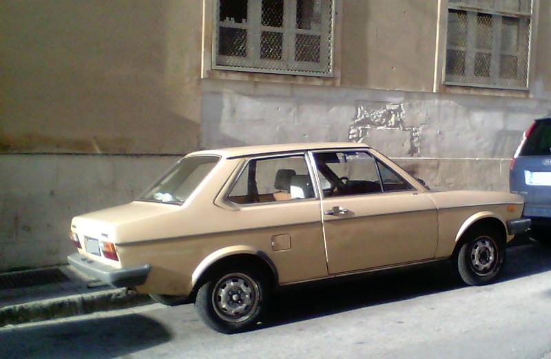 avvistamenti auto storiche - Pagina 4 Img_2010