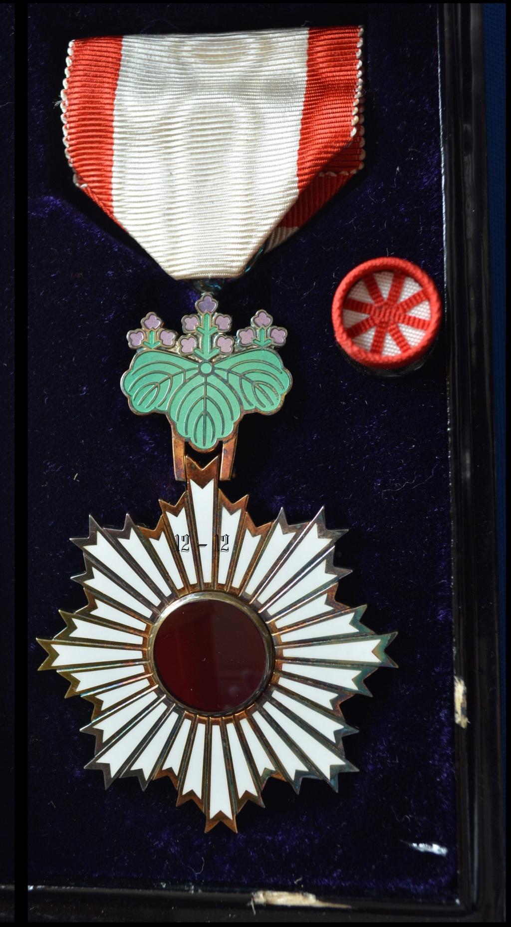 Ordre du soleil Levant 12-12881