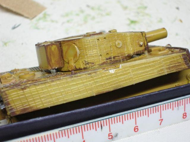 PzKpfw VI  Tigre I Ausf E (1/72 - Revell ) Dscn3410