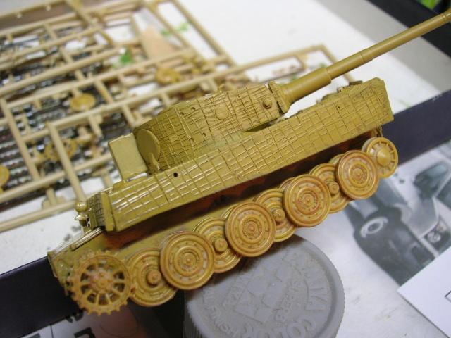 PzKpfw VI  Tigre I Ausf E (1/72 - Revell ) Dscn3411