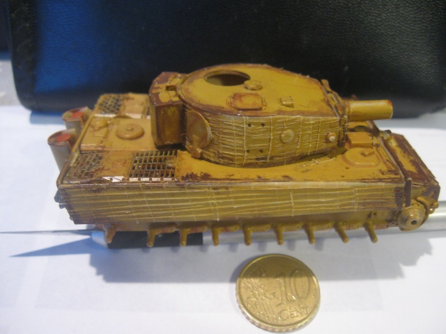 PzKpfw VI  Tigre I Ausf E (1/72 - Revell ) Img_1510