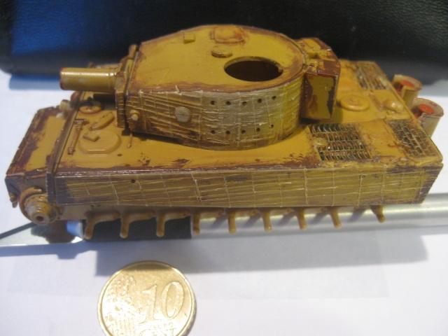 PzKpfw VI  Tigre I Ausf E (1/72 - Revell ) Img_1511