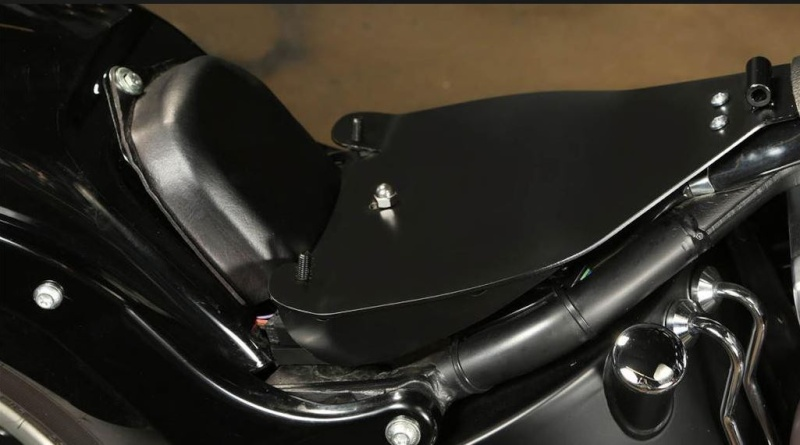 Softail Slim sous tous ses angles ! - Page 5 Cache11